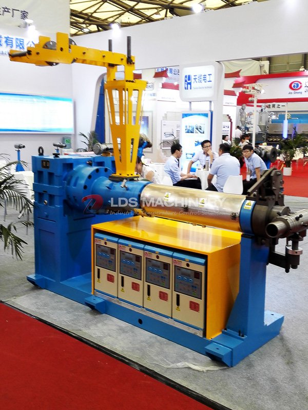 cold feeding rubber extrusion temperature control system